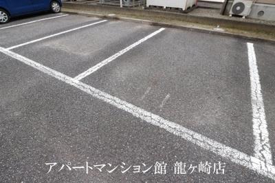 【駐車場】ヒルサイドテラス久保台C棟
