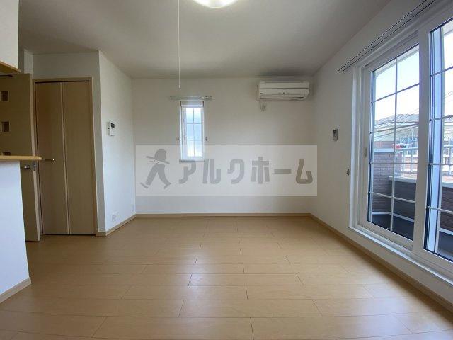 【居間・リビング】セレノアロッジオ3
