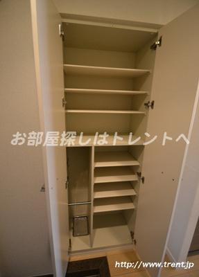 【玄関】グランドコンシェルジュ新宿北