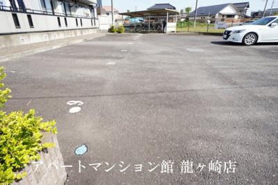【駐車場】ハイツメルベーユ