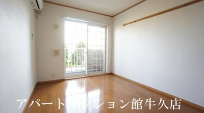 【居間・リビング】ソレアードホソヤD