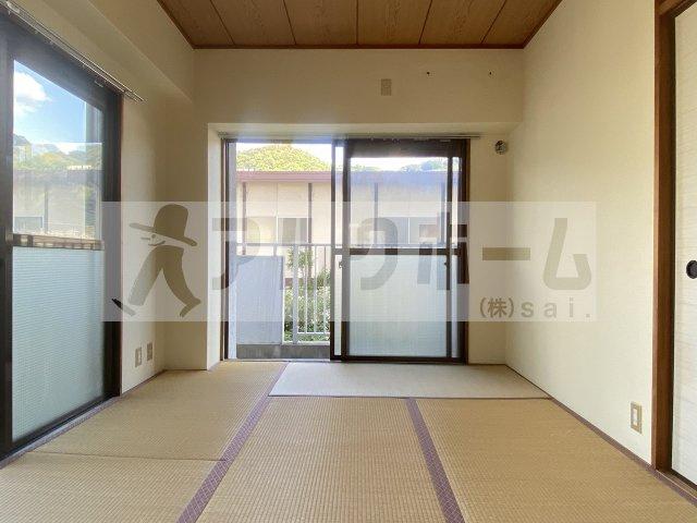 【洋室】ルネアルマーニ