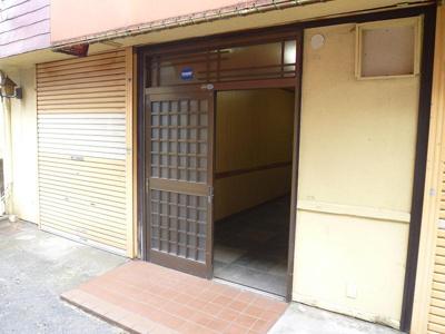【玄関】和田店舗