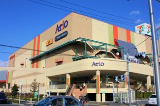 近くのスーパーがアリオ鳳です