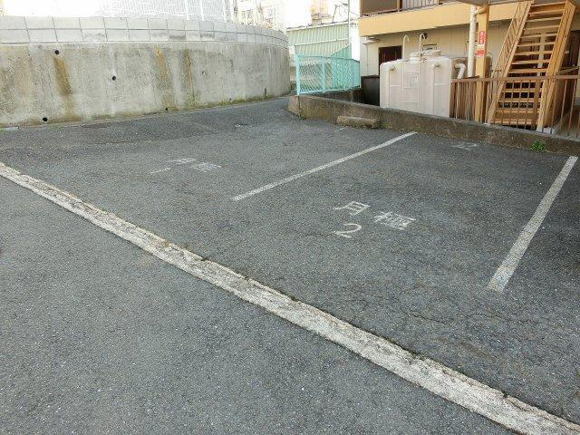 ビューハイム西村(河内国分駅) 2DK 駐車場 パーキング