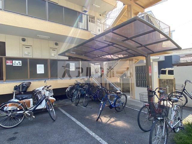 ビューハイム西村(河内国分駅) 2DK 駐輪場
