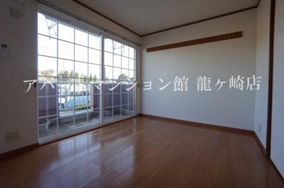 【居間・リビング】アンフィニ・アムールA