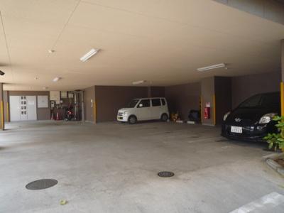 【駐車場】ファミーユ南摂津