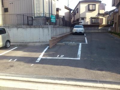 【駐車場】シャンポール参番館
