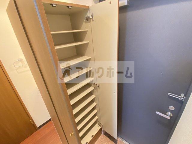 レナードユー  室内洗濯機置き場