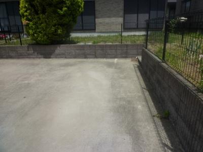 【駐車場】本間住宅