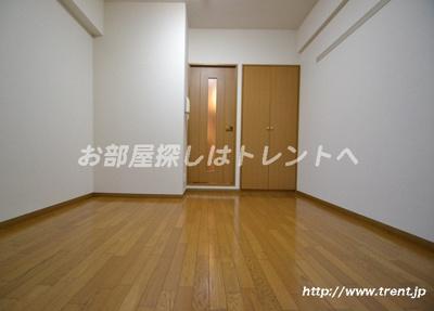 【居間・リビング】ロイヤルパレス四ツ谷