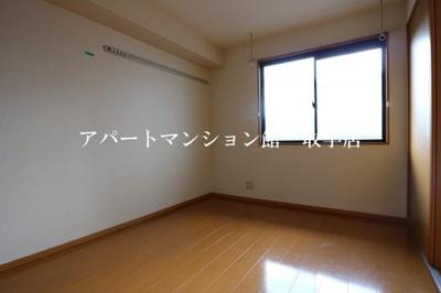 【内装】シャンティ花輪台