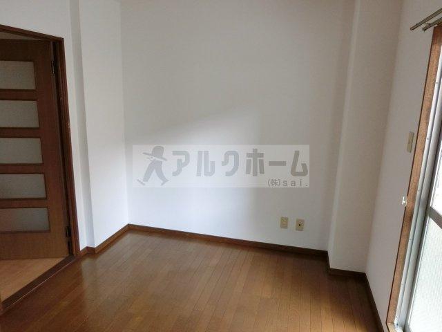 メゾンプチフォーレ(柏原市清州) 寝室