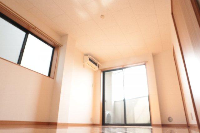 日当たりのよい居室です