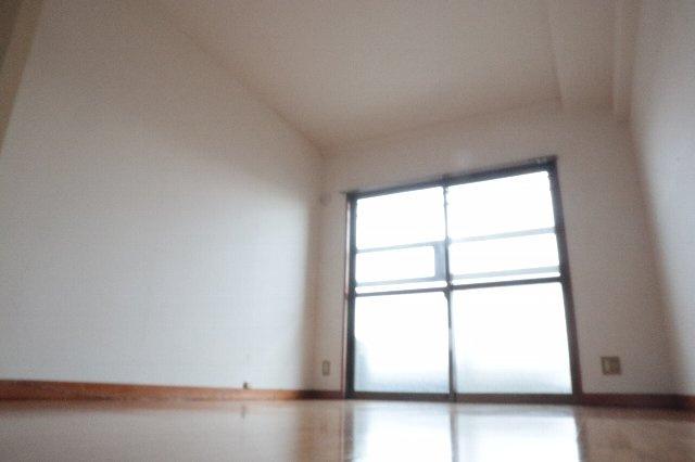 窓が多くてとっても明るいキッチンです。
