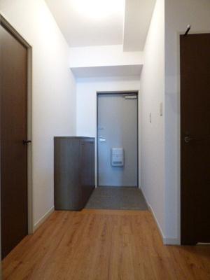 サンアロマ高砂301  (3LDK) 玄関