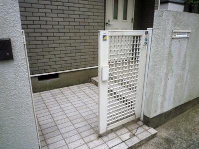 【エントランス】下高井戸三丁目戸建(賃貸)