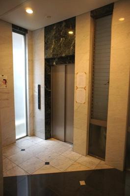 エンクレスト舞鶴 605 (1R) エレベーター