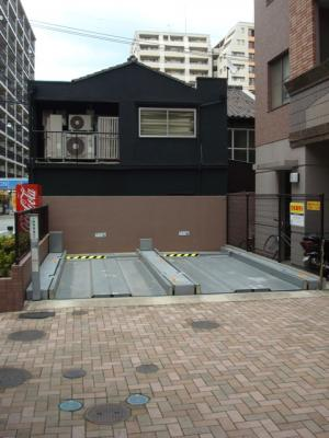 グランフォーレ薬院 (1K) 駐車場