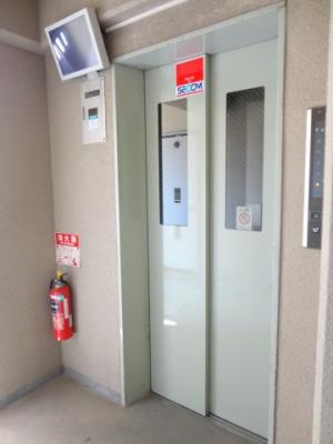 ☆防犯カメラ付エレベーター☆