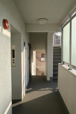 シャトー青山第3 建物内共用廊下