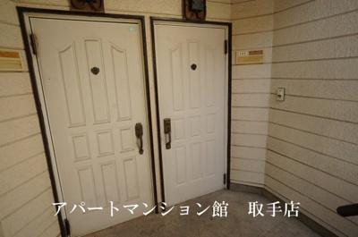 【玄関】サンラフォーレ吉田