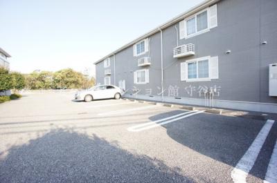 【駐車場】メイプルタウン弐番館