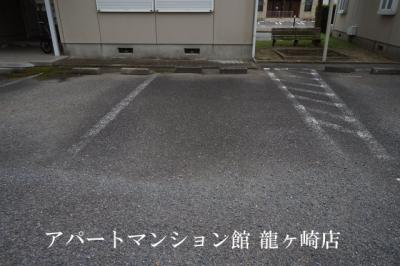 【駐車場】タウンヒル松葉B棟
