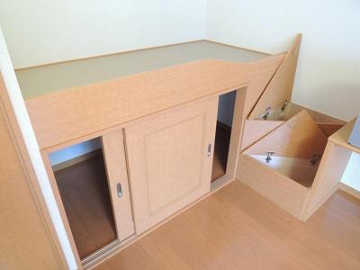 造付けベッドは就寝スペースとしてご利用いただけます