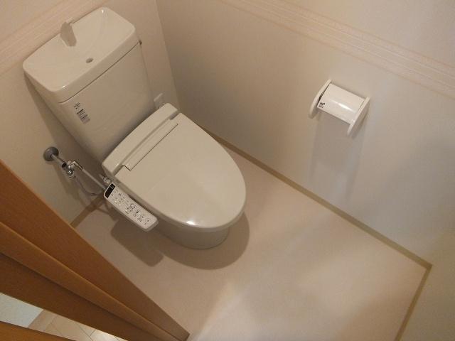 クロスコート トイレ