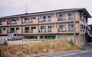 HIGASHIOマンション
