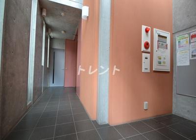 【エントランス】四谷アパートメント
