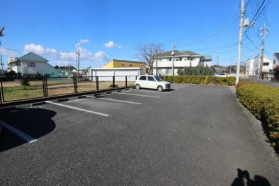 【駐車場】牛久ロイヤルレジデンスBⅢ型