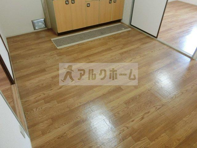 サンパティック山田(八尾) 3DK ハイツ