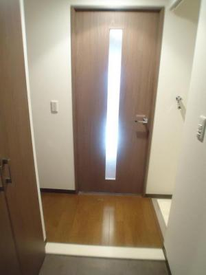 【玄関】ルミエールキャナル神戸