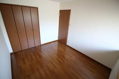 【寝室】フォーラム城ヶ岡 参番館