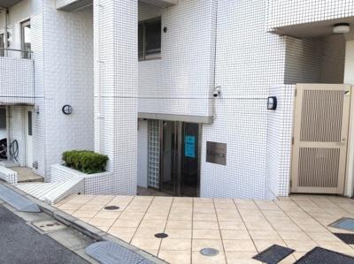 【エントランス】ファミール南青山ブランカ
