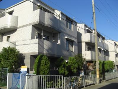 RC造の3階建てマンション★