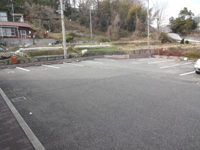 【駐車場】セラフィ