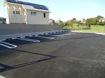 広い敷地内駐車場