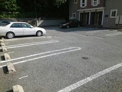 【駐車場】フォレスト六甲A棟