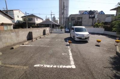 【駐車場】フローラルコート須磨