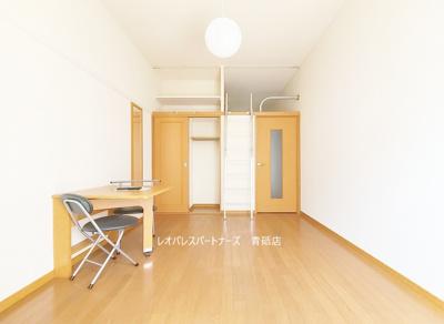 同タイプ別室 床はフローリングです。