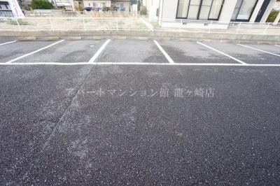 【駐車場】ファミーユA