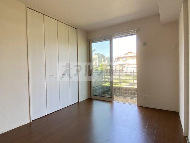 メルベール 三面鏡付洗面台