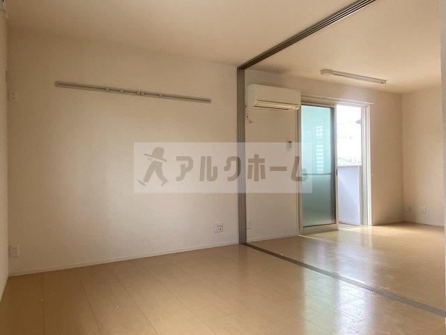 コージーコート法善寺 洋室①