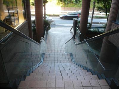 ベルテ南青山-I 共用・エントランス階段