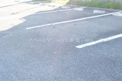 【駐車場】グリーンパストラル桜井D