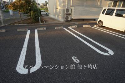 【駐車場】クレスト藤ヶ丘ⅢA棟
